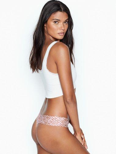 Panty-Tanga-con-Encaje-Floral-Victoria-s-Secret